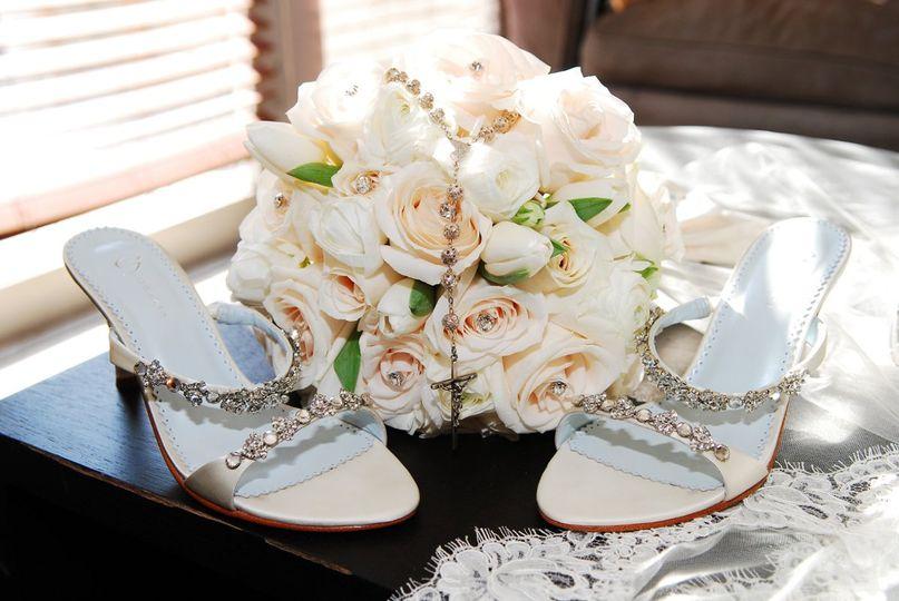 Weddinbg heels and bouquet