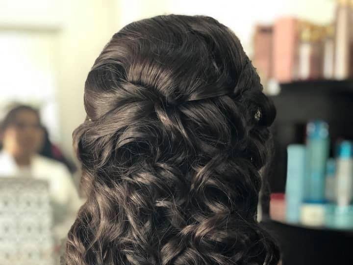 Tmx Halfuphalfdown 51 1069037 1559327686 Bahias De Huatulco, MX wedding beauty