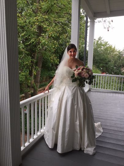 Beautiful brides deserve a beautiful setting. Photo opps abound in the gardens and on the porches.