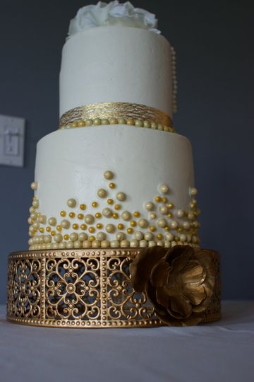 2-tier wedding cake with gold detailing