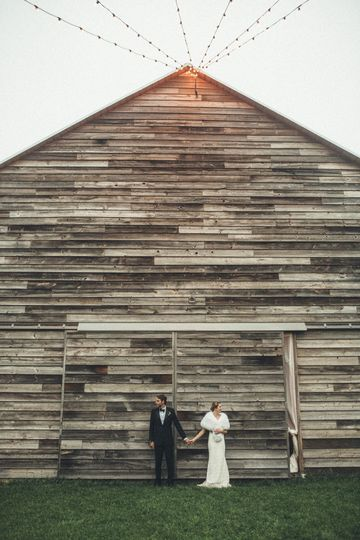 kelly david upstate catskills barn wedding couple
