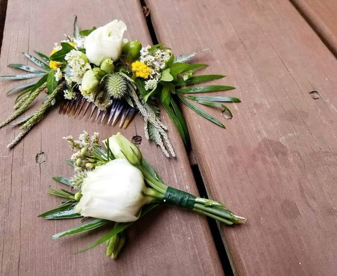 Comb and boutonniere