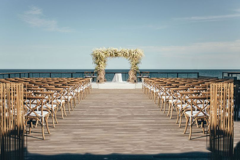 gurneys montauk wedding hero shot 1600x1067 51 3137