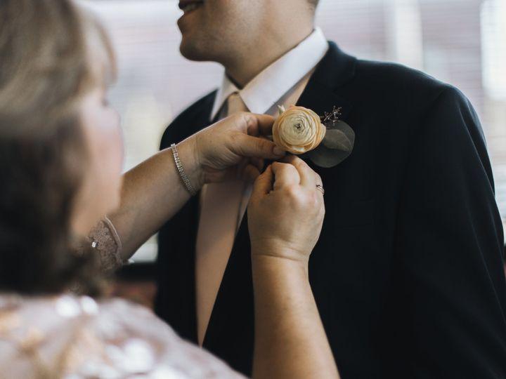Tmx 1522445347 506fcce1948e457b 1522445346 8746b955a55422f9 1522445345146 5 Enayati 356 Kansas City wedding florist
