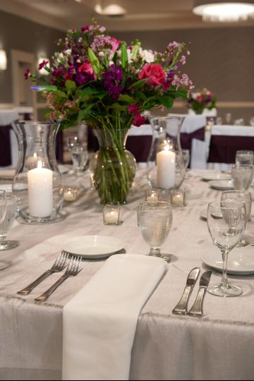 Table setting with house centerpieces