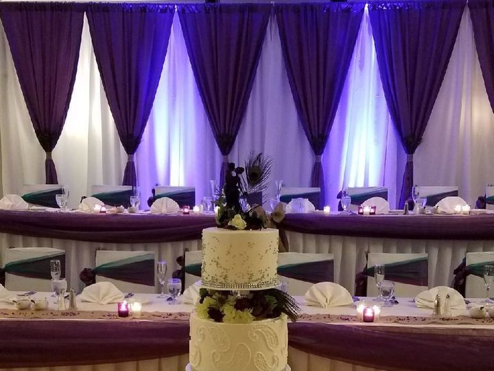 Tmx 1529158946 E395a8d1f35c1481 1529158945 43455ef350b94dbe 1529158945354 5 Headtable Livonia, MI wedding venue