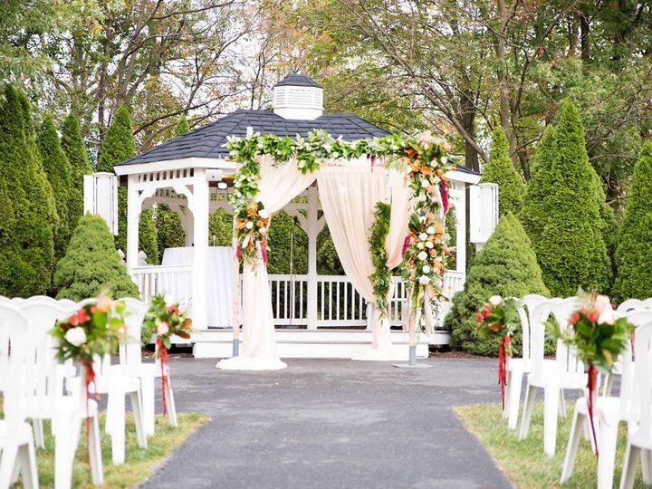 Tmx 1526936321 E6c3846036054376 1526936320 Cf9c8ec92ab9797f 1526936319713 7 Marisa Alex 34 Linthicum Heights, MD wedding florist