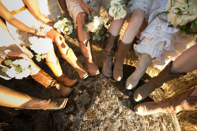 Cowboy boots for the Bride & Bridesmaids = countryfied