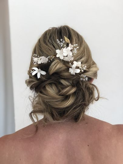 White flowers on hair