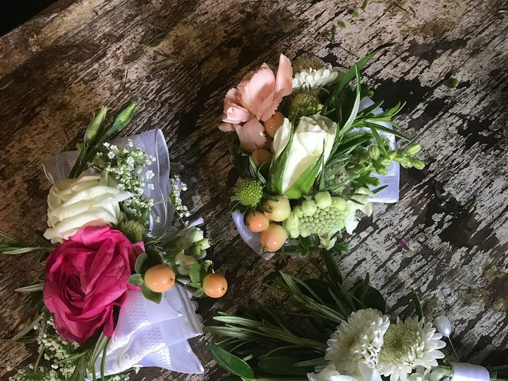 Tmx 36334512 10155360036571423 1186479995350941696 O 51 178137 Poolesville, MD wedding florist