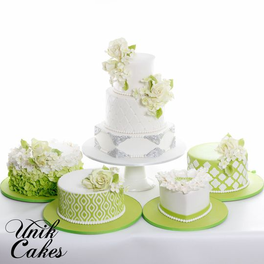 Wedding cakes with a touch of apple green