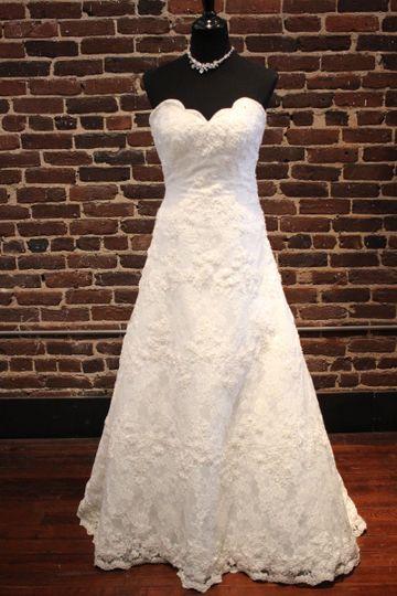 Bootleg betty dress attire knoxville tn weddingwire for Wedding dresses knoxville tn