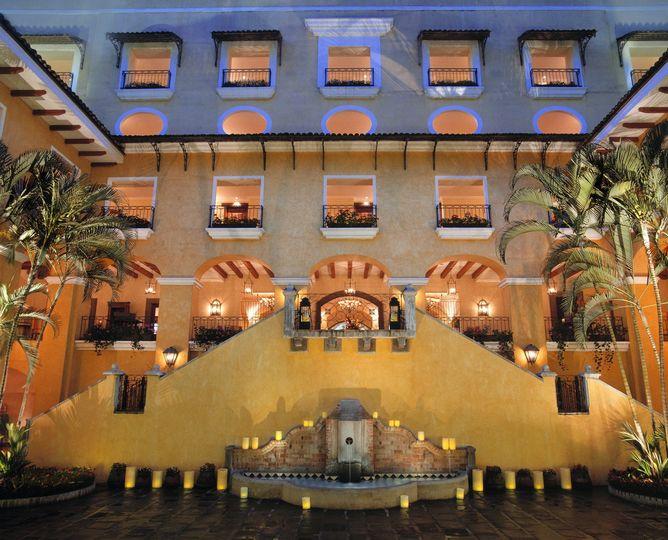 costaricamarriott central courtyard