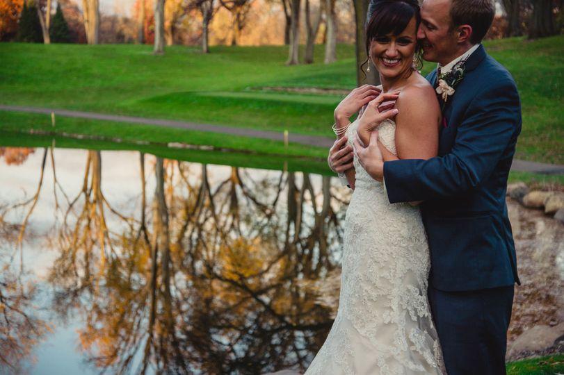 f7b80d66f3c62423 1512696126537 nicole blake minnesota wedding photography