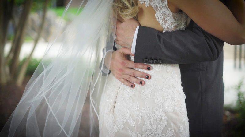 7a4afd38883d35e0 800x800 1509311516126 charlie keny wedding highlights 00004