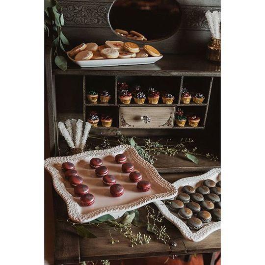 Dresser-made-dessert table