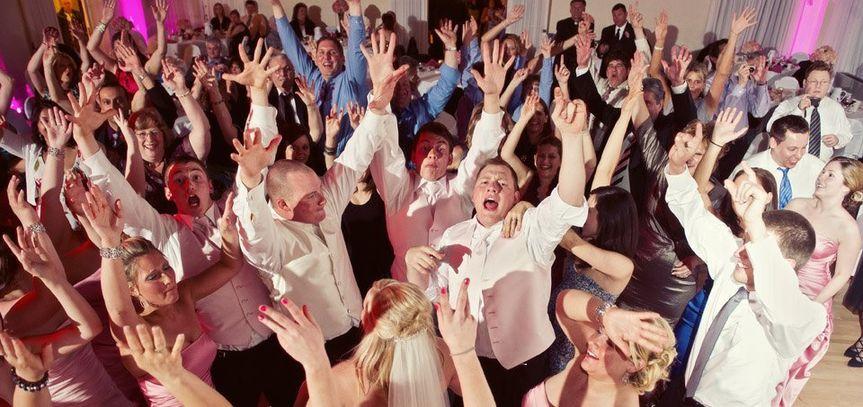 dj tommy elliott wedding nightclub pub and party dj kiltimagh mayo ireland 061 51 554237