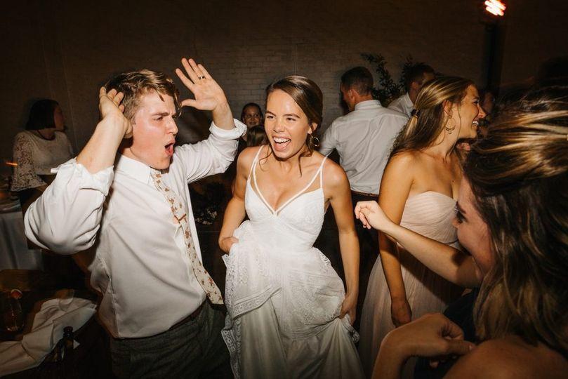 Bride & groom on the dance floor