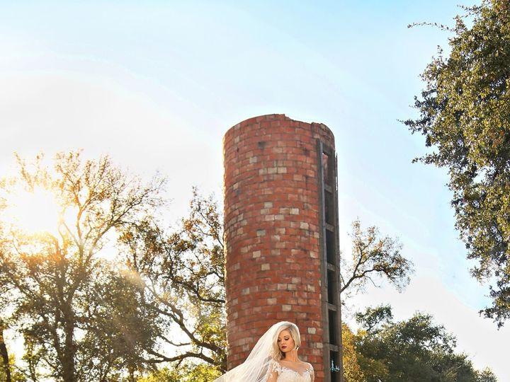 Tmx 1522378701 E71859ee10b67642 1522378699 Ba728a852c854d05 1522378686460 3 Bride Veil And Sil Temple, TX wedding venue
