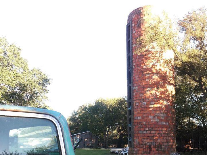 Tmx 1522611221 4298dcebe6a00a1e 1522611220 81663cd397e860cd 1522611212634 5 Old Truck With Sil Temple, TX wedding venue