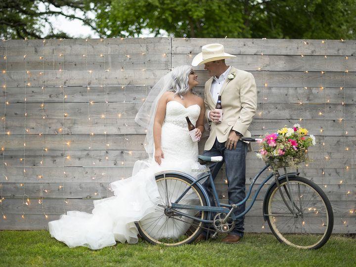 Tmx 1529105805 9d78f5fa45dc545b 1529105801 1a181766c694da8c 1529105764970 30 Couple At Fence M Temple, TX wedding venue