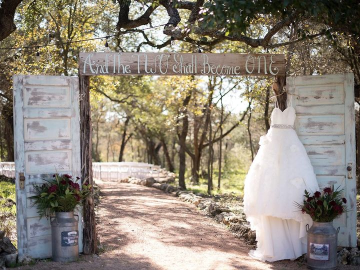 Tmx Dress On Doors To The Woods Silo And Oak Melody C Photography 51 978237 1558124040 Temple, TX wedding venue