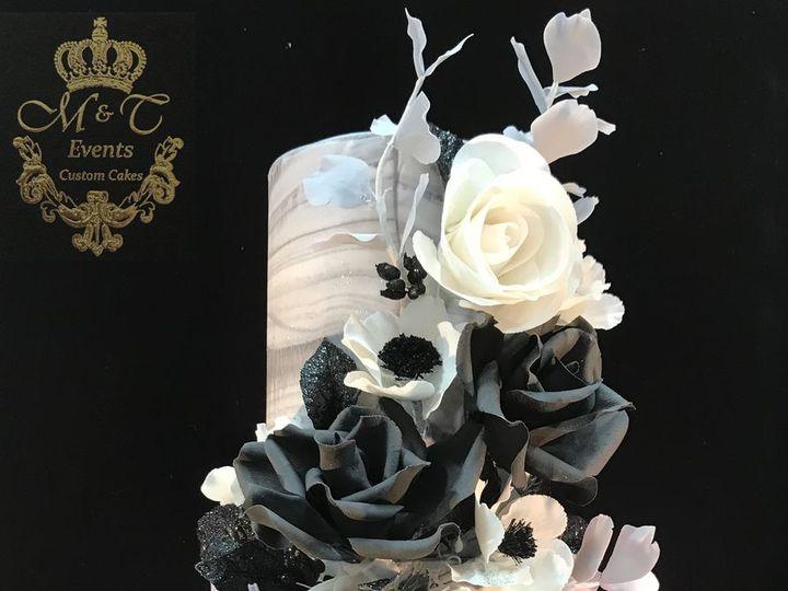 Tmx 1516480081 64323f3f8579bc93 1516480080 D70c1fb7842fb530 1516480079555 12 Blk And White Del Woodbridge, District Of Columbia wedding cake
