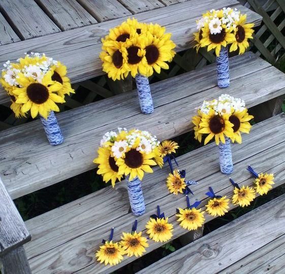 Yellow Sunflower Bridal Bouquet Set...