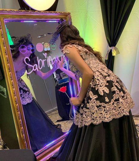 Brides love our mirror booth