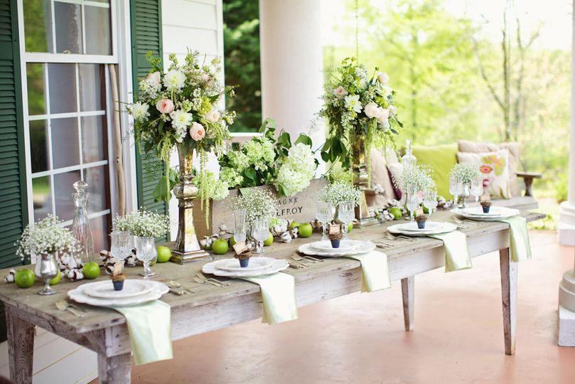 Head table arrangement