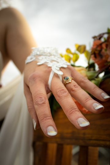 Hand of the Bride