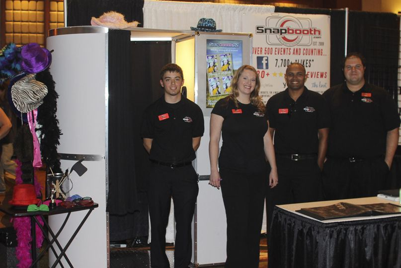 snapbooth team bridal show