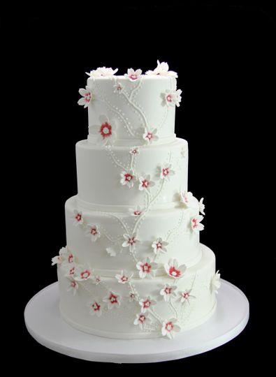 800x800 1459533905859 cascading custom flowers wedding cake
