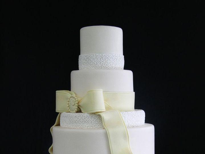 Tmx 1354812550093 VintageBowsWeddingCake Long Island City, New York wedding cake
