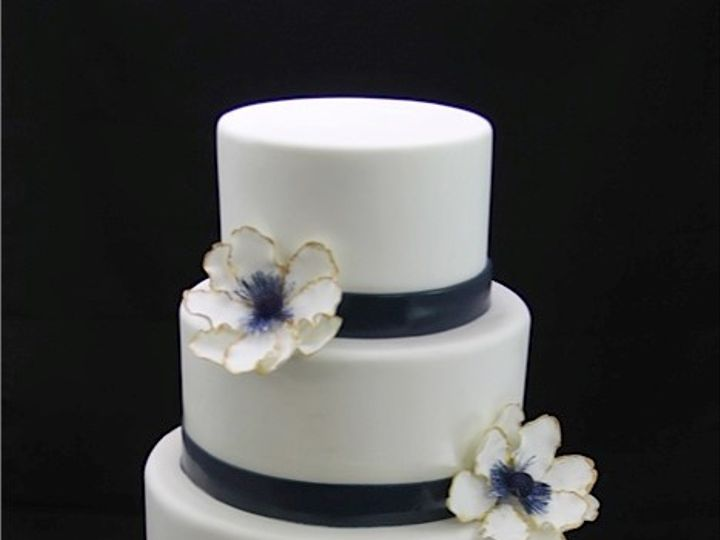 Tmx 1420744376656 Blue Thin Band With Anemone Wedding Cake Long Island City, New York wedding cake
