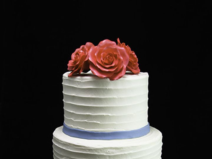 Tmx 1433365154565 Trio Of Roses With Thin Band Wedding Cake Long Island City, New York wedding cake