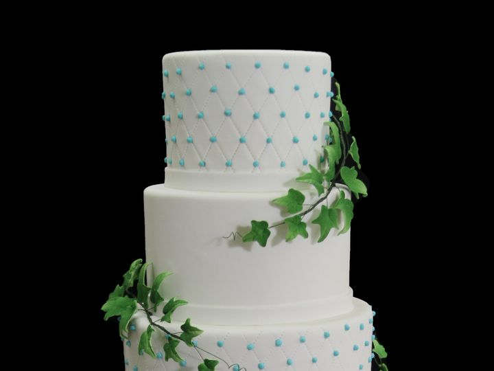 Tmx 1466009966536 Quilting With Green Ivy Leaves Wedidng Cake Long Island City, New York wedding cake