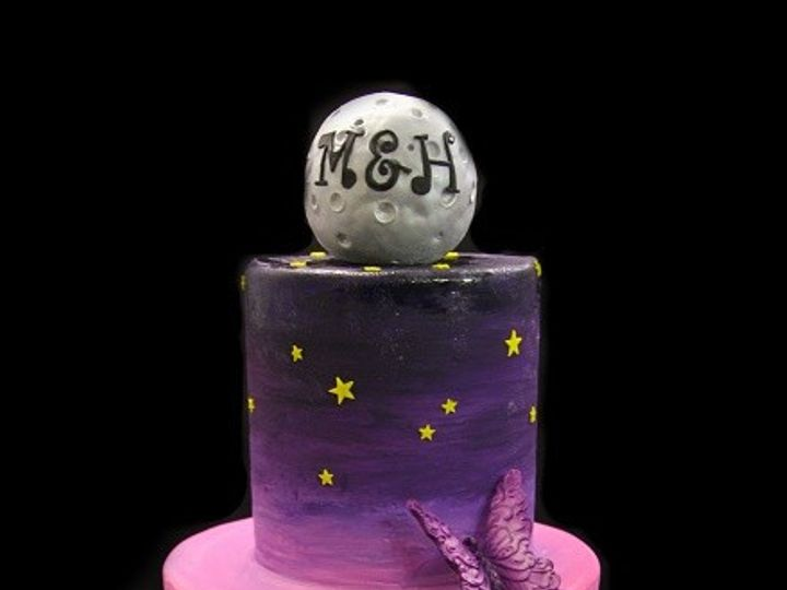 Tmx 1478200617614 Moon With Skyline Wedding Cake Small Long Island City, New York wedding cake