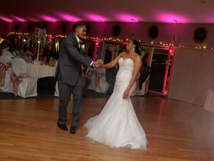 Tmx Natalie Antoine Dance 3 Tammy 51 2437 1563295130 Ingleside, IL wedding venue