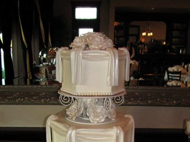 Tmx 1368711858280 1627581808007086085945064726n Glendora wedding cake