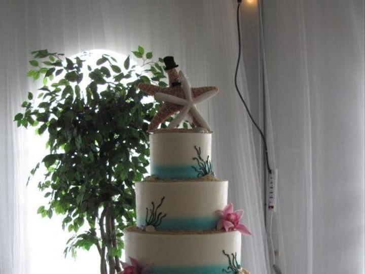 Tmx 1368711882545 1682571807993019420686680657n Glendora wedding cake