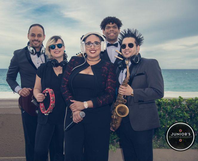 Djane Buxome & her Hybrid Band