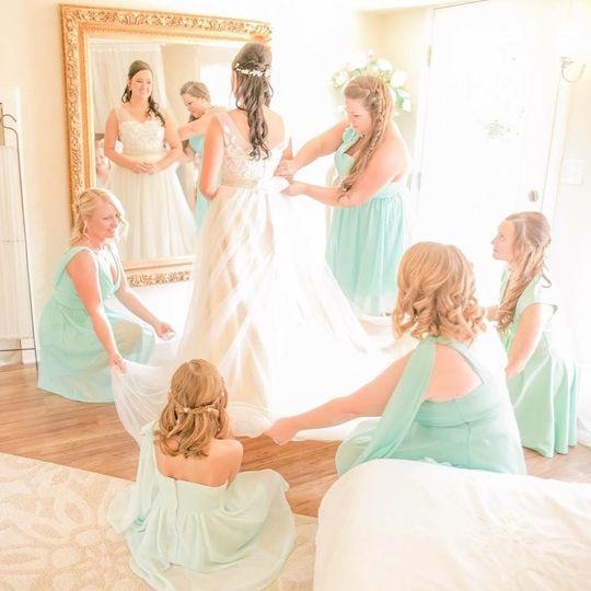Bride w/ her bridesmaids
