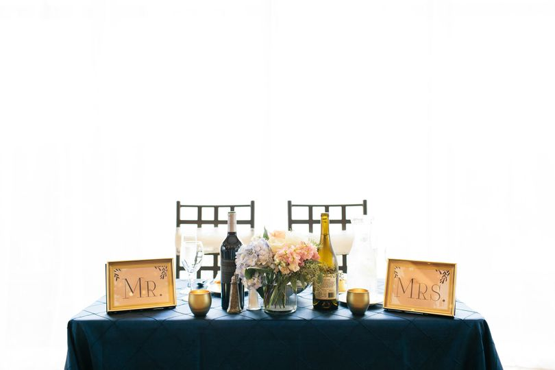Sweetheart Table  Photography:  Nicodem Photography