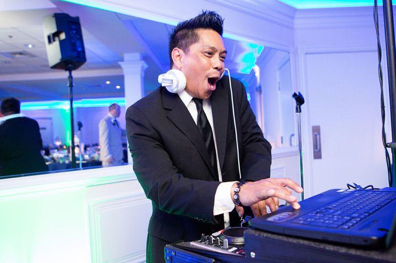 DJ Roger Cruz