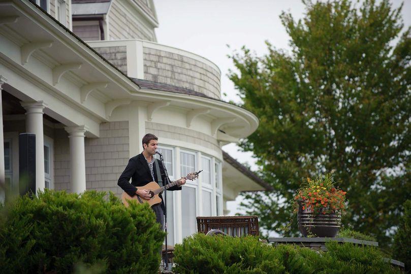 AJ Edwards : Singer. Acoustic Guitarist