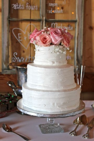 3-tier wedding cake with pink roses