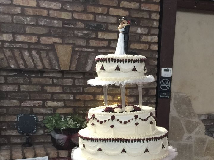Tmx 2f052d5a 75ca 49a7 B221 7c7f66312cdb 51 1023537 Forney, TX wedding cake