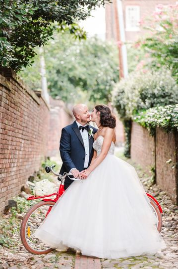 bethany and barry alexandrian wedding alexandria va arj productions planner red bike 51 954537 1568208178