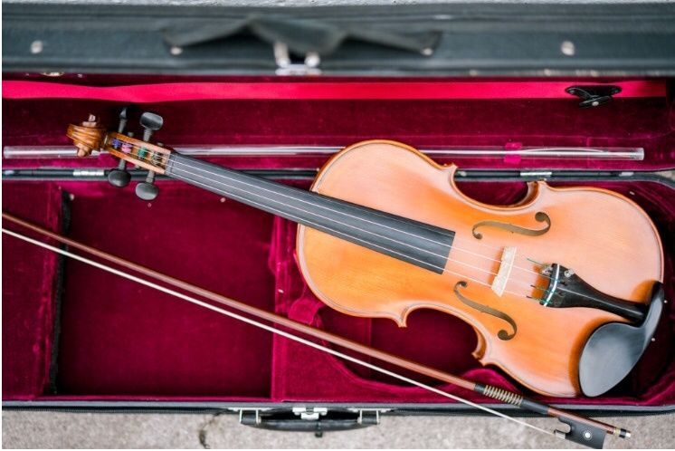 Violin | Emma Lili Photography